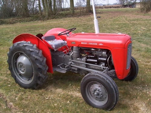 Product picture Massey Ferguson MF35 Tractor Workshop Service Repair Manual